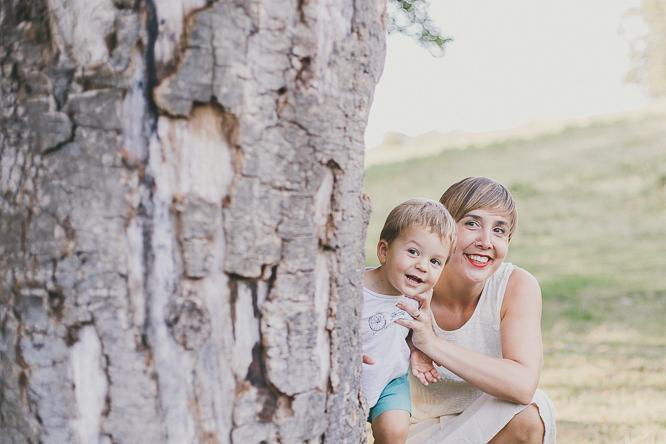 fotografo reportaje de familia bilbao forester 52 Alaitz + Ibai = Unai | Sesión de familia en Urkiola
