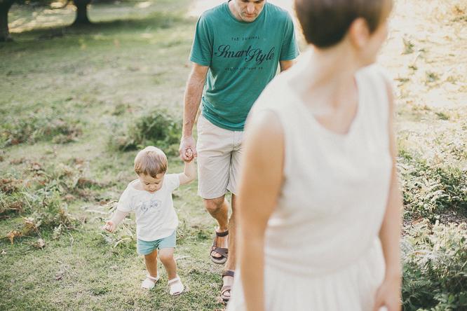 fotografo reportaje de familia bilbao forester 29 Alaitz + Ibai = Unai | Sesión de familia en Urkiola