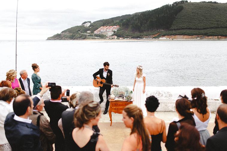 aintzanexabi forester fotgrafos de boda 88 Boda en San Juan de Gaztelugatxe