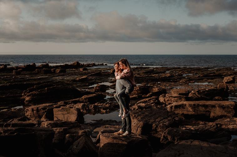 fotografos de bodas bilbao 31 Pre boda en la playa de Ogeia