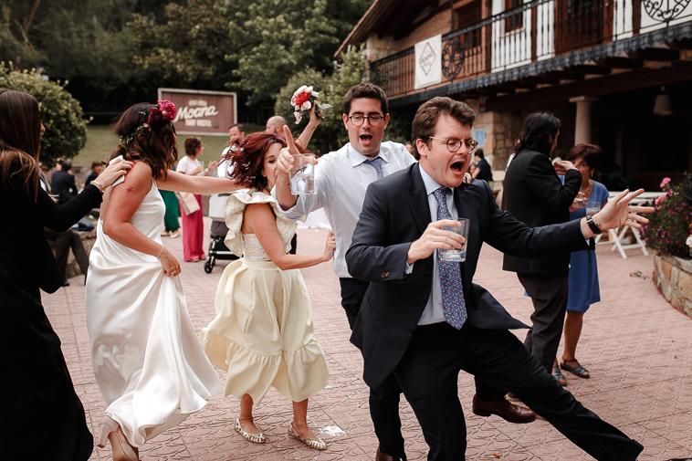fotografo de bodas bilbao 1496 Lara & Patxi | Boda surfera en Barrika
